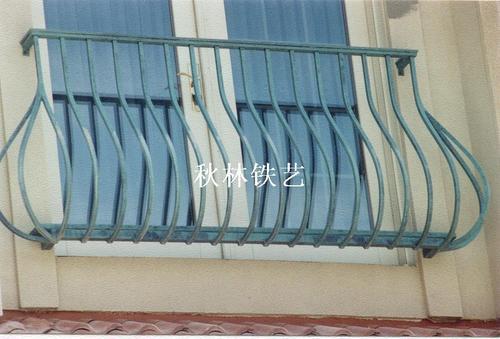 鼓肚铁艺阳台栏杆